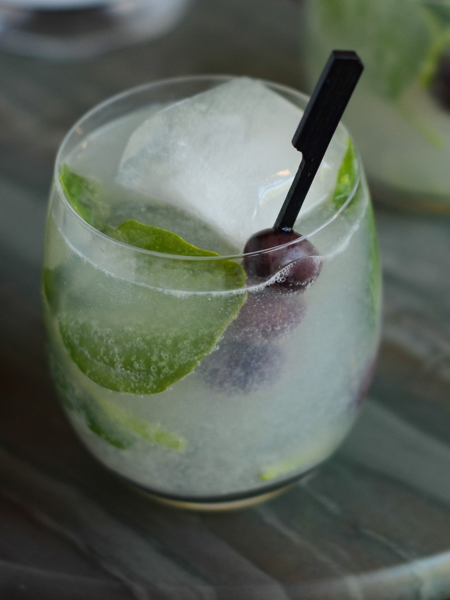 Black Olive & Basil Smash